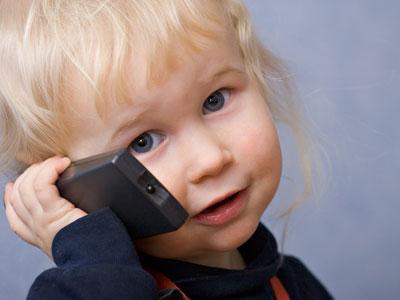 Как переключить внимание детей от телевизора?