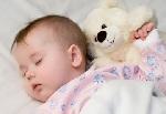 Приучаем малыша спать отдельно