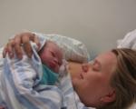 Мама и малыш - их первая встреча