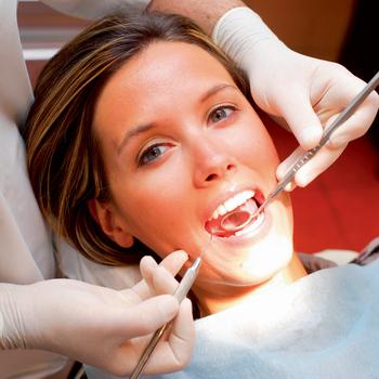 Лечить зубы можно только осторожно!