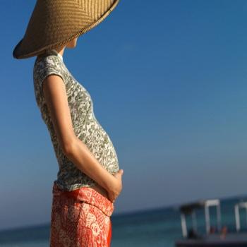 Можно ли летать во время беременности?