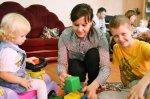 Кто лучше - мама, няня или детский сад